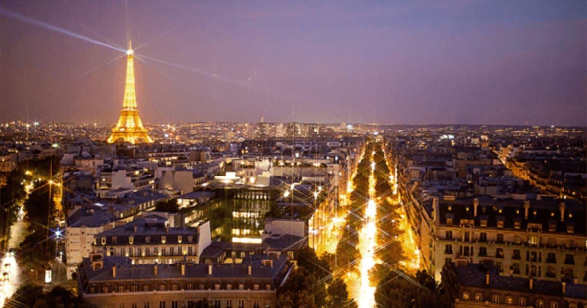 Где найти работу в Париже девушке